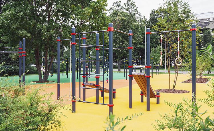 Спортивные и игровые комплексы во дворах по реновации