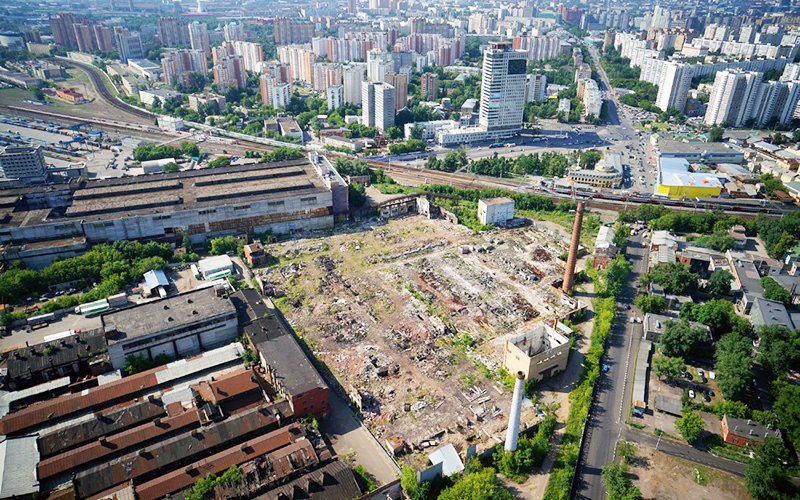 Строительство жилья по реновации на месте снесенных промзон в Москве