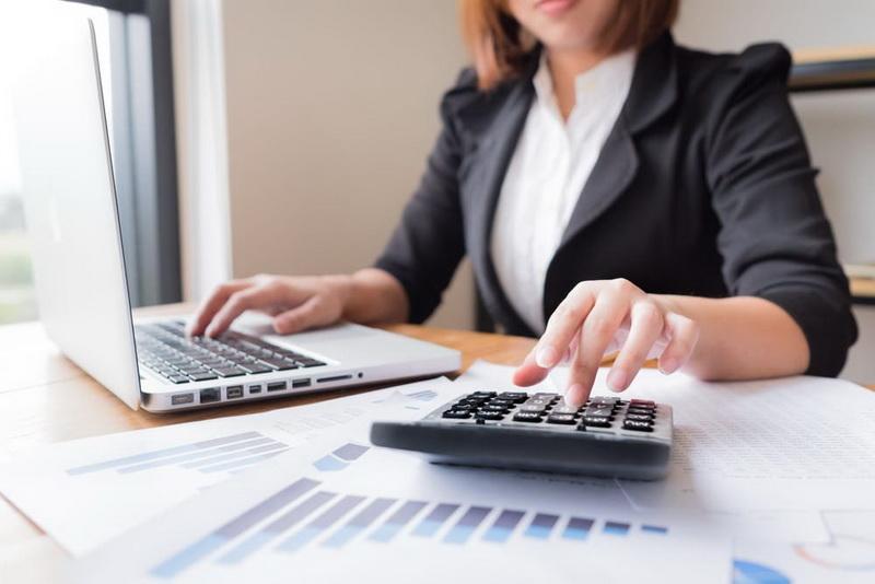 Ноутбук, калькулятор, рассчитать ипотеку