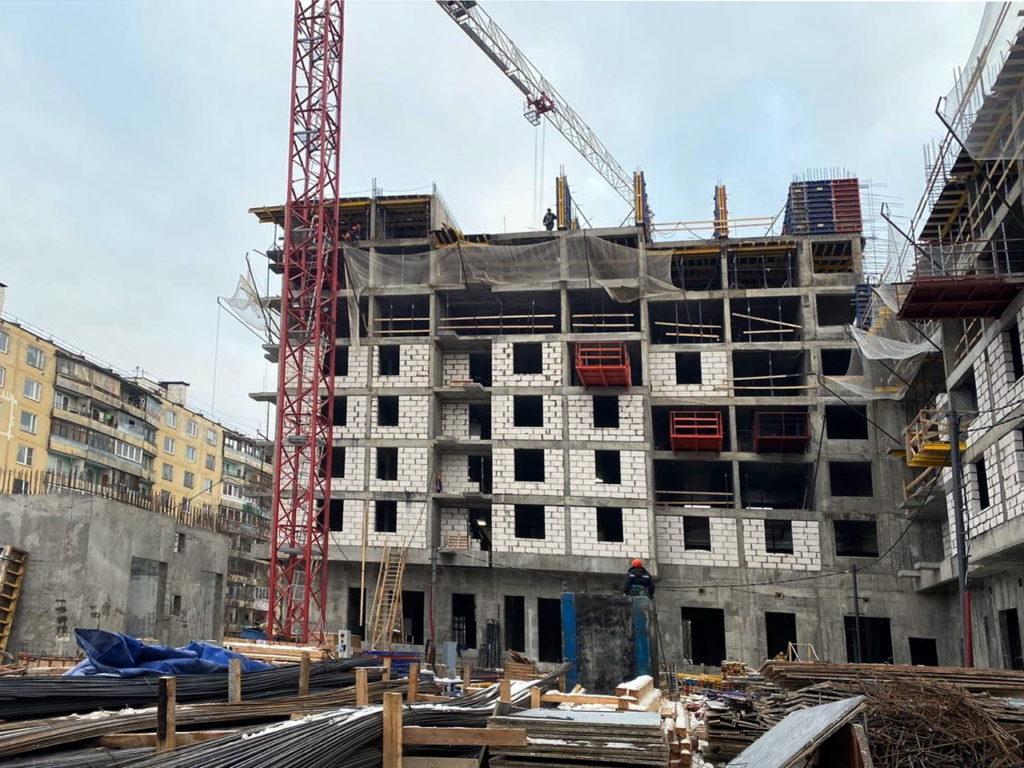 Стройка по реновации Феодоссийская ул